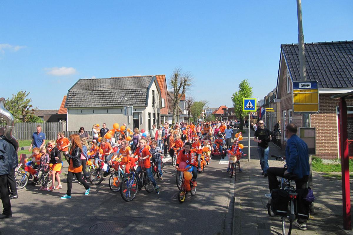 Koningsdag in Egmond aan den Hoef